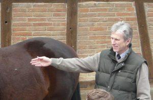 Prof. von Korn mit Pferd
